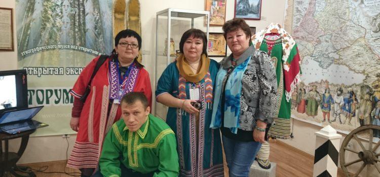 Выставочный проект «Экспозиция под открытым небом» на Всероссийском форуме музейного искусства «VI Югорская полевая музейная биеннале»