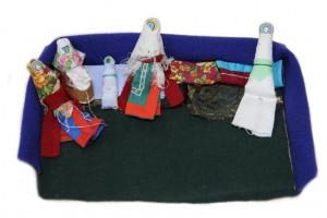 Семья кукол (восточные ханты) Автор - Ярсомова А.Л.