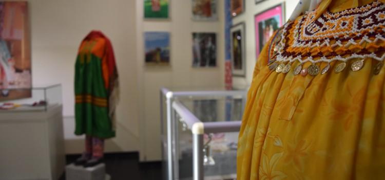 В выставочном зале музея «Торум Маа» открыт выставочный проект «Женский костюм обских угров»