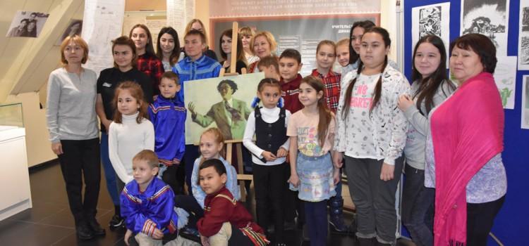 Произведения для детей Ювана Шесталова прозвучали в литературной гостиной  «Белый стерх улетел, но оставил нам песню…»