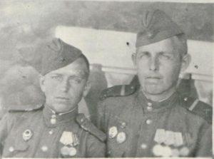Бешкильцев Прокопий Кириллович (справа)