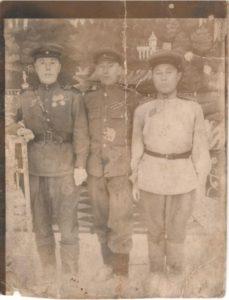 Филиппов Тимофей Алексеевич, Семяшкин Семен Васильевич, Хатанзеев Федор Григорьевич (слева направо)