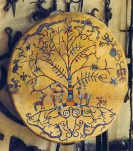 Шаманский бубен народов Сибири с изображениями Мирового дерева